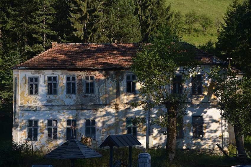 Selo Štitkovo, škola