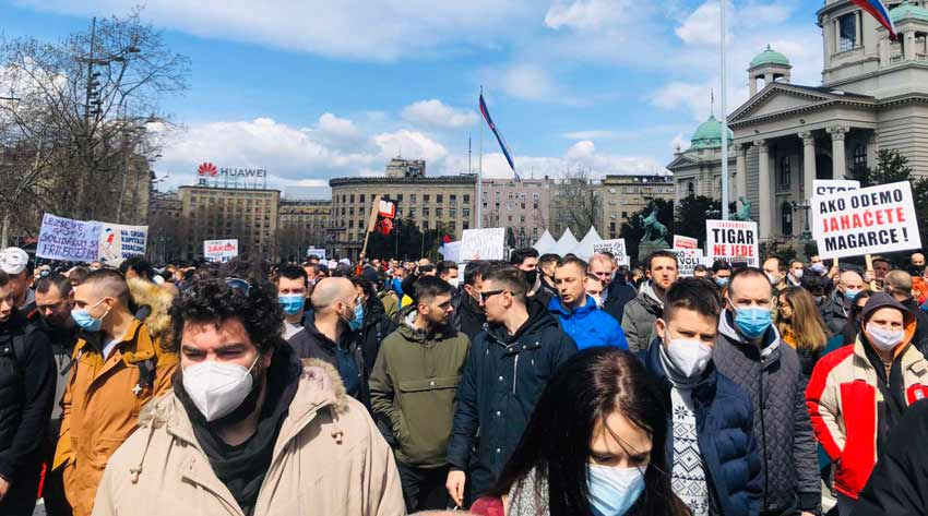 frilenseri-protest-skupstina
