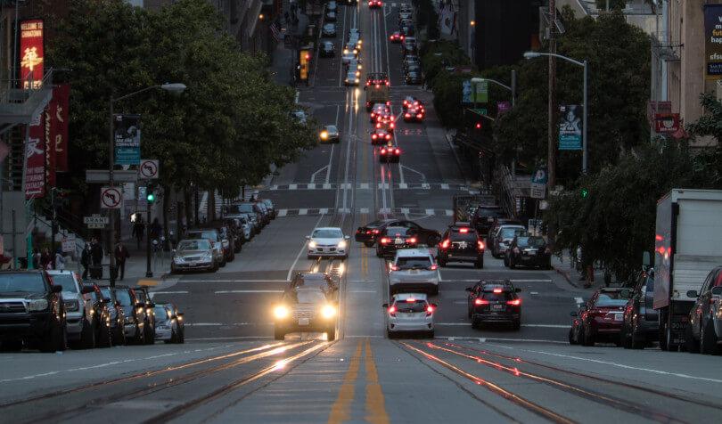 prikaz saobraćaja i ulične rasvete
