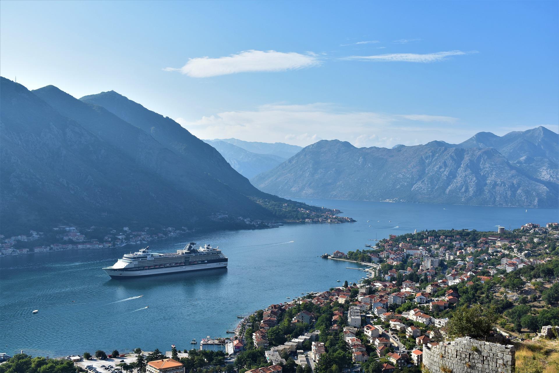 pogled na Kotorski zaliv sa vidikovca