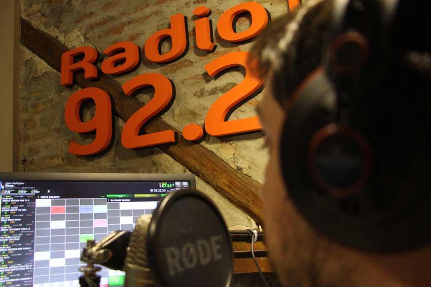 radio-021