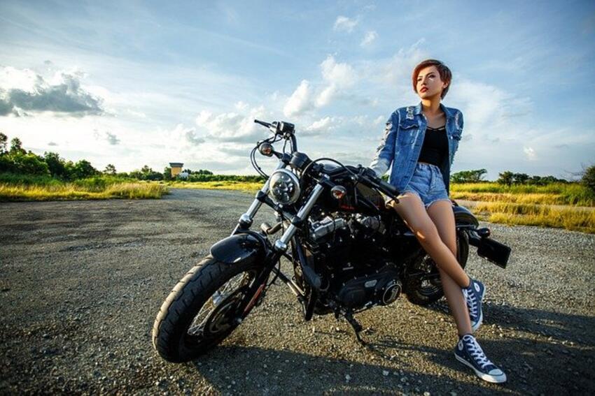 devojka-motor