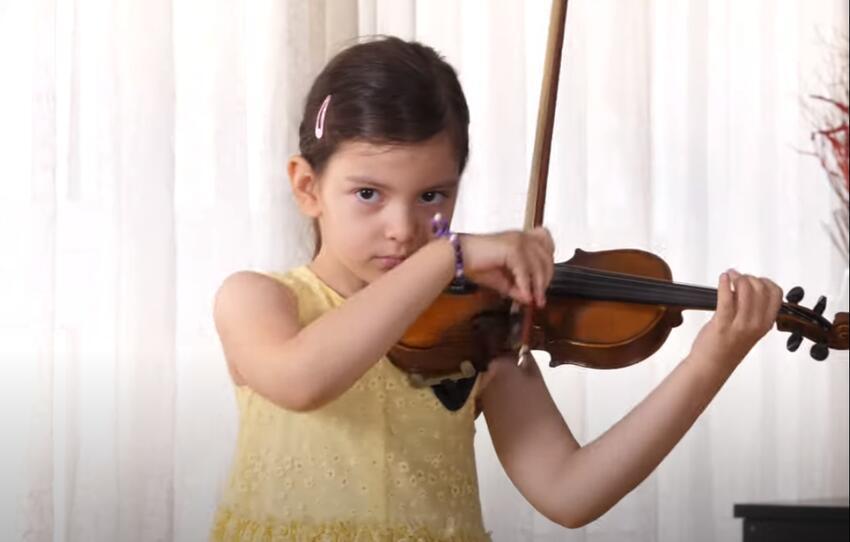 emilija-violinistkinja