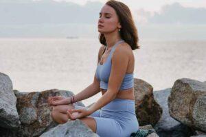horoskop-avgust-zena-more-meditacija