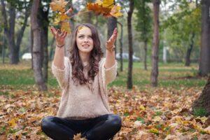 devojka-lepa-jesen